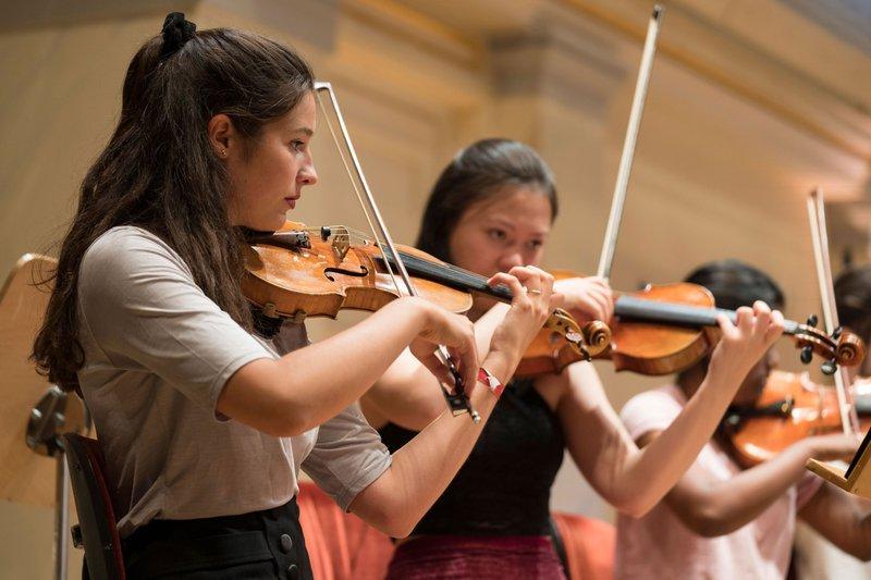 BJO_2019_Violinen_c=Mutesouvenir-Kai-Bienert.jpg